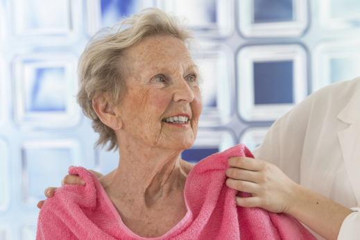 4 Tips for Helping an Elder Take a Bath